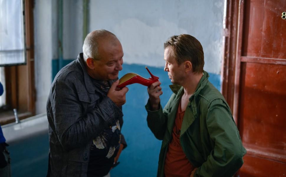 пикировать премьера комедии норвег фото современном китайском