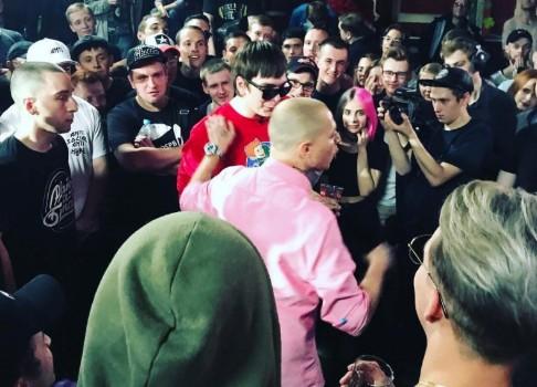 В Петербурге прошел рэп-баттл между Оксимироном и Гнойным